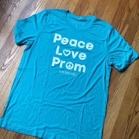 Sherri Hill Tops - Sherri Hill T-shirt